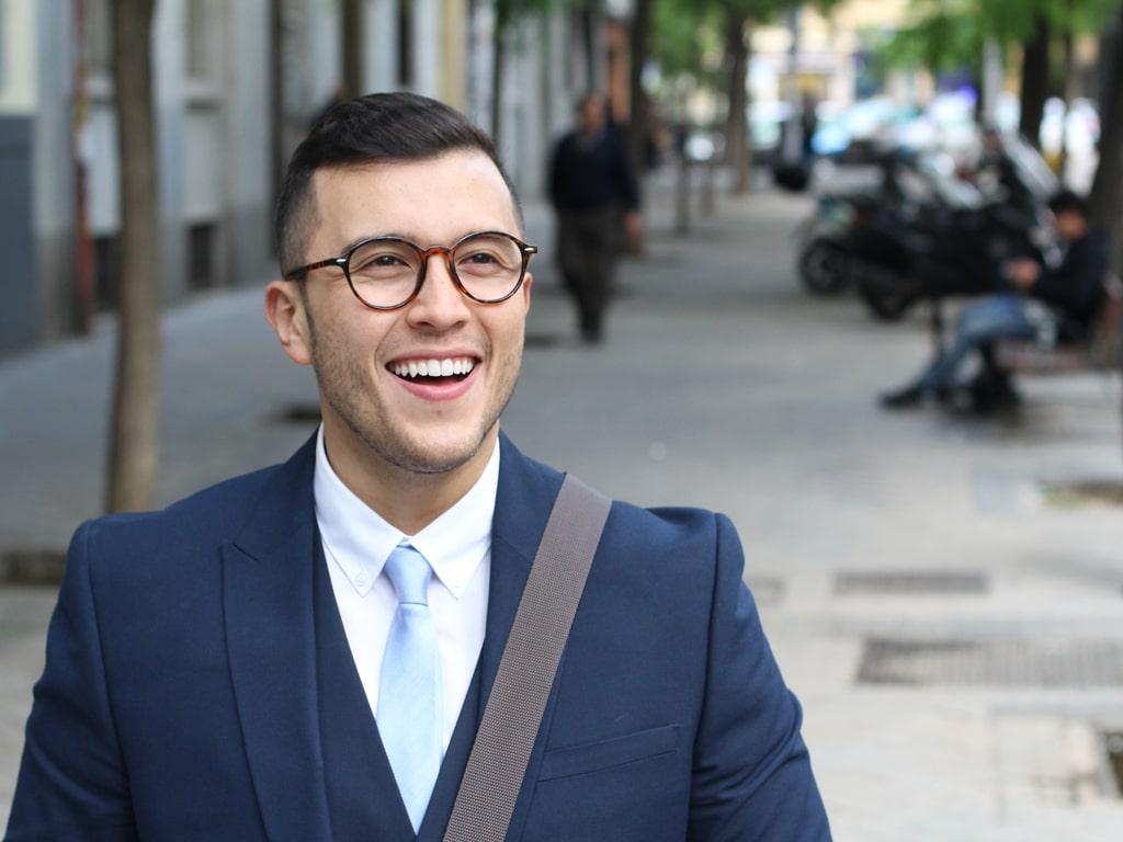 Man wearing veeners